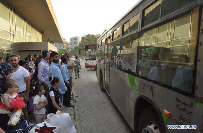 621 Syrian refugees return home from Lebanon