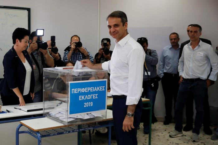 Conservatives tipped to prevail in Greek local election runoffs