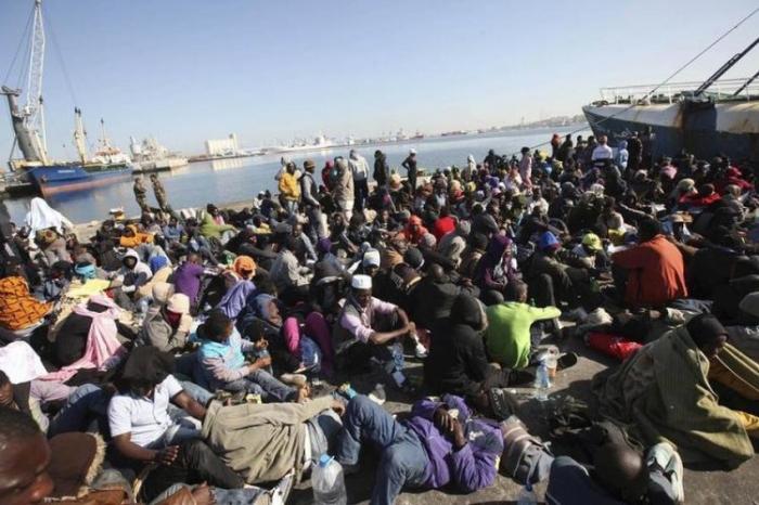 Libyan navy rescues 91 illegal migrants off western coast