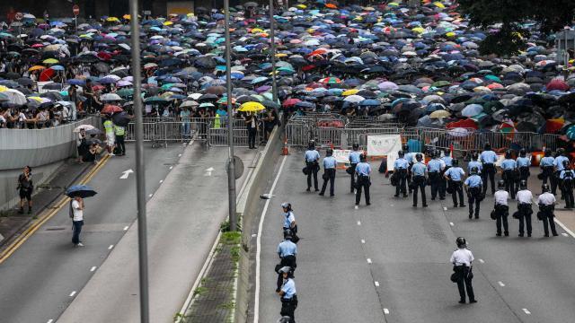 Hong Kong : les manifestants promettent une manifestation géante pour dimanche