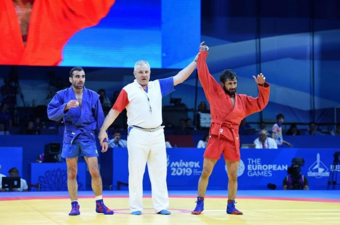 Azərbaycan samboçuları Minskdə iki medal qazanıb