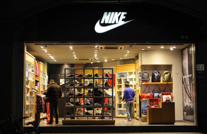 Nike installe des mannequins grande taille dans ses boutiques