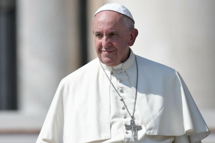 """Vatican:   """"les pauvres traités comme des ordures"""", déplore le pape"""
