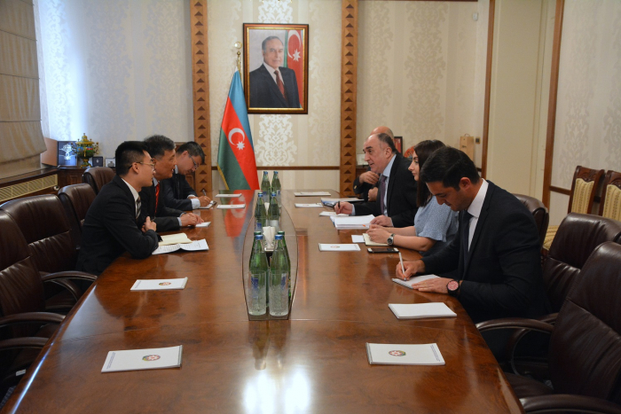 Azerbaijani FM receives outgoing Chinese ambassador