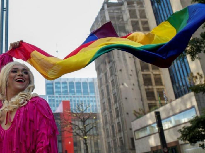 Brésil : des dizaines de milliers de personnes à la Gay Pride de São Paulo