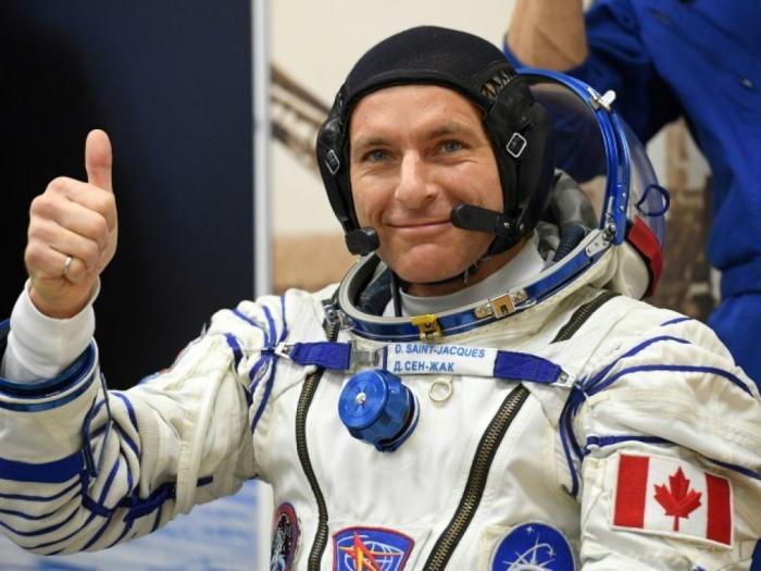 Trois astronautes reviennent sur Terre après une mission sur l