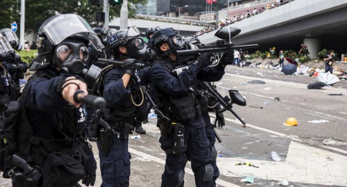 حكومة هونغ كونغ توقف مشروع قانون تسليم المطلوبين للصين