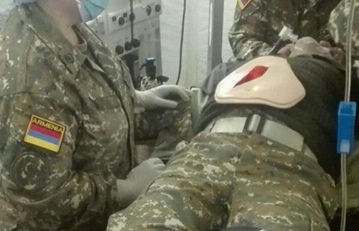 Ermənistanda hərbçi ürəyindən bıçaqlanıb