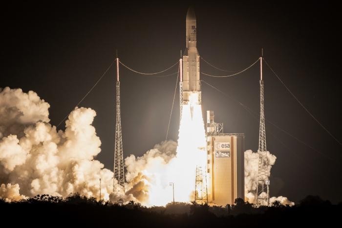 La fusée Ariane chargée d