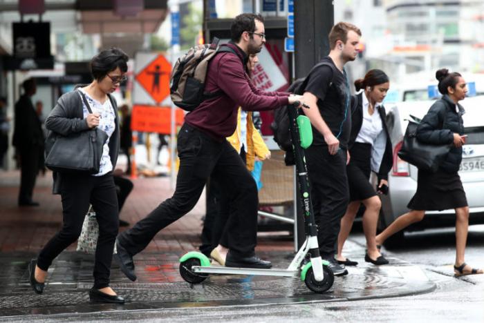 New York s'apprête à autoriser les trottinettes et les vélos électriques