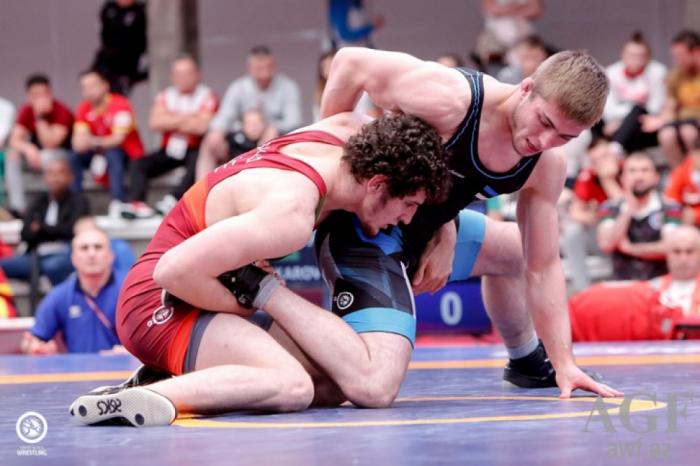 Junior Azerbaijani wrestlers claim two European golds