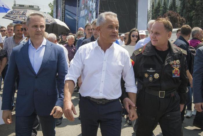 Machtkampf in Republik Moldau - Oligarch will Präsident entmachten