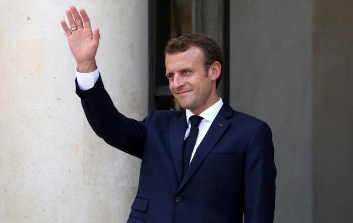 Macron et Elton John lancent vendredi un appel sur le sida