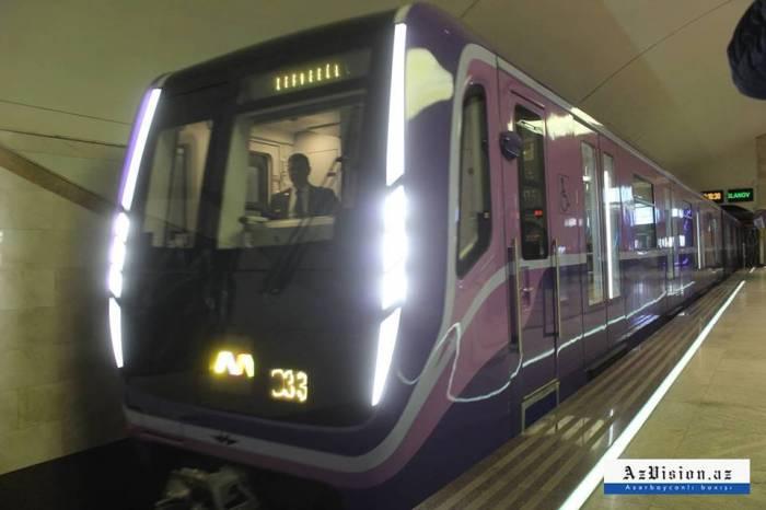 Rusiyadan Bakıya 2 yeni metro qatarı gətirilir