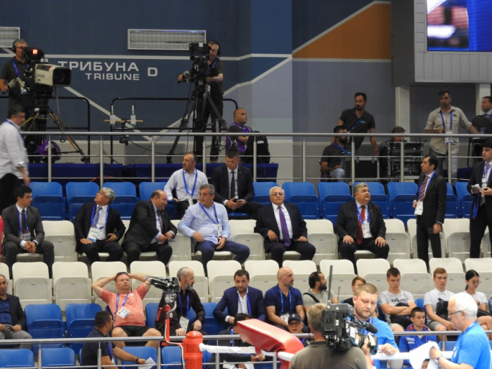 Parliament speaker watches Azerbaijani boxer's bout at 2nd European Games