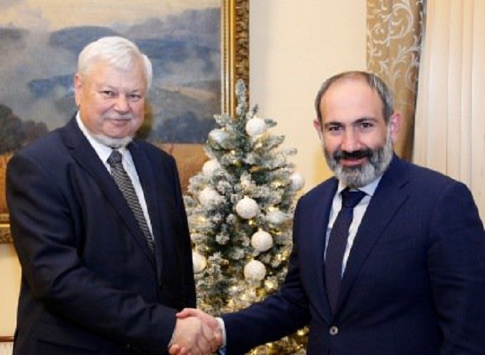 Pashinian discute du Karabakh avecAndrzej Kasprzyk