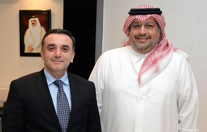 """Azərbaycanın Qətərdəki səfiri """"Gulf-Times"""" qəzetinin baş redaktoru ilə görüşüb"""
