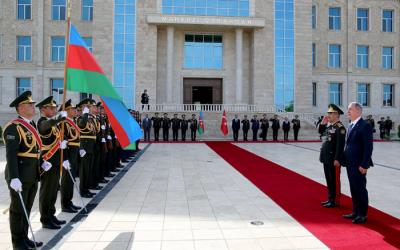 وزيرا الدفاع يجتمعان في ناخشيفان -  فيديو