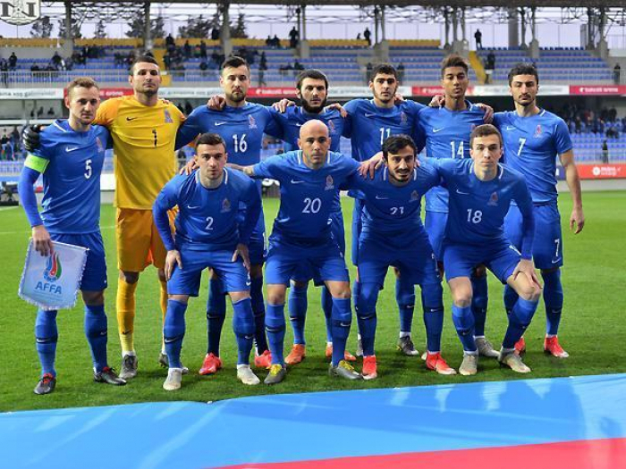 منافسة بين منتخبي أذربيجان وسلوفاكيا لكرة القدم