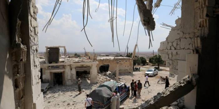 Syrie:   28 morts   dans des bombardements russes et syriens