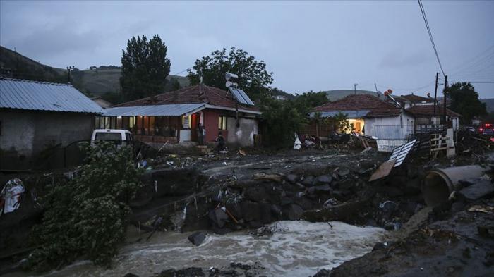 Sel Ankarada ciddi fəsadlar törədib