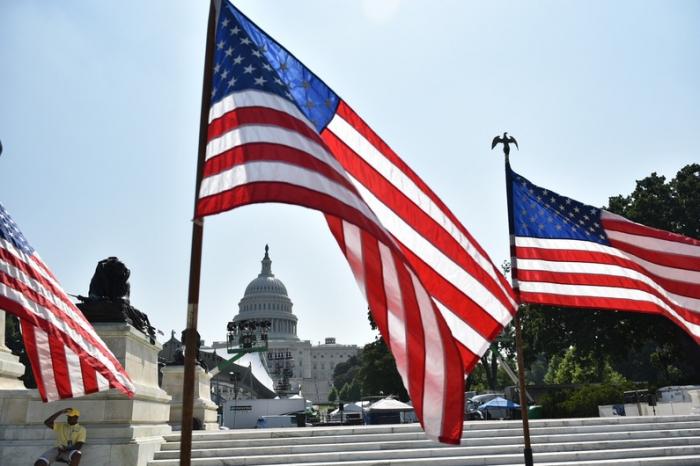Les États-Unis vont commencer à expulser «des millions» de sans-papiers