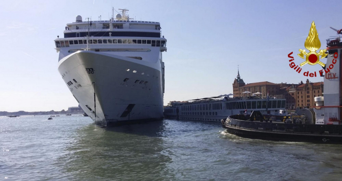 Venice cruise ship crash: Four injured as MSC Opera liner hits dock and tourist boat