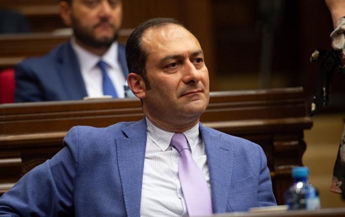 Armenian Justice Minister Artak Zeynalyan announces his resignation