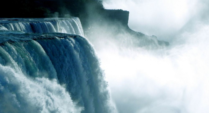 Un chanceux survit aux chutes du Niagara après être tombé de 57 mètres de hauteur