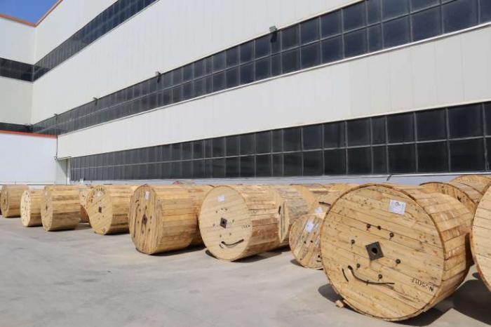 Azərbaycan dünyanın ən iri neft yatağına kabel satacaq