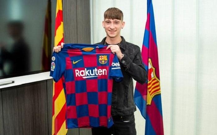 """""""Barselona"""" 16 yaşlı hücumçu aldı"""