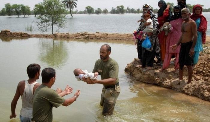 Pakistanda daşqın, ölənlər var