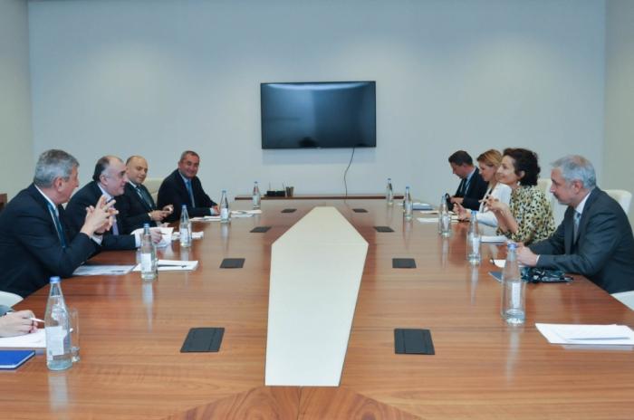 Le ministre azerbaïdjanais des Affaires étrangères rencontre la Directrice générale de l'UNESCO
