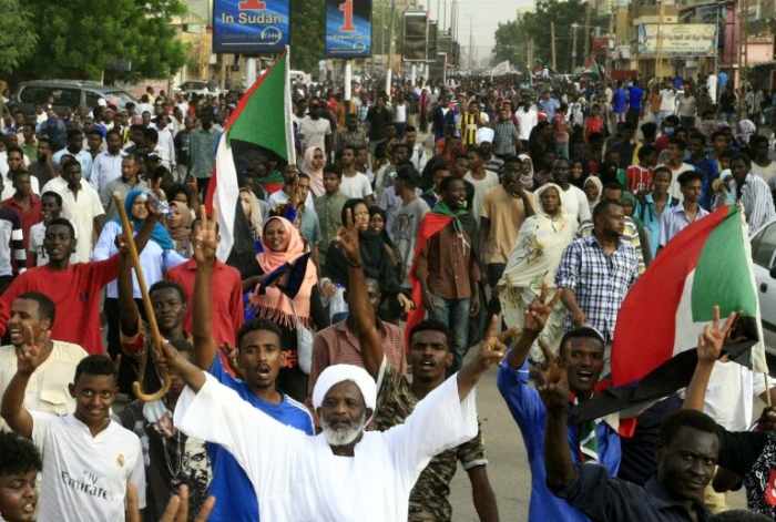 Sudan protesters agree to direct talks with ruling generals
