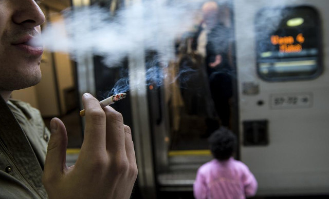 Outdoor smoking now banned in Sweden in certain places