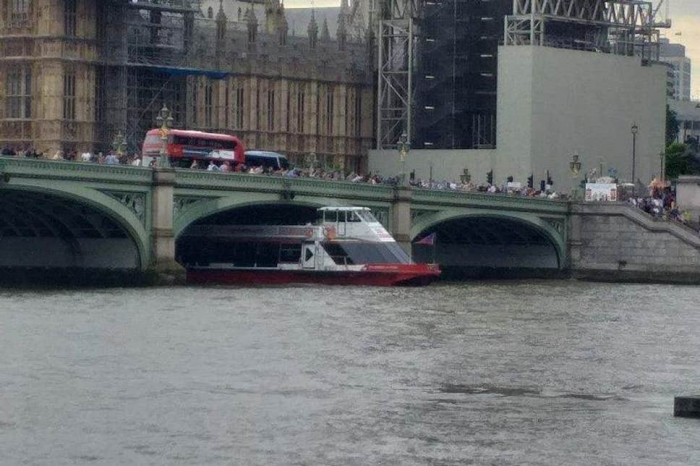 Westminster Bridge shut: Tourist boat smashes into bridge