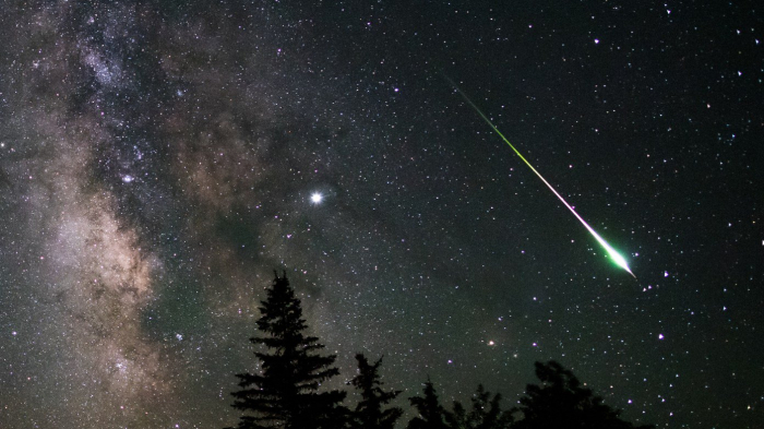 Photographer captures rare meteor explosion while he slept-  PHOTOS/VIDEO