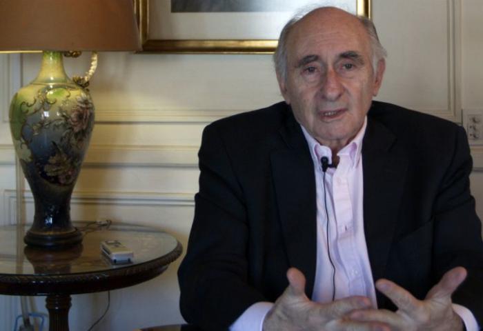 Hospitalizan de urgencia al expresidente argentino Fernando de la Rúa