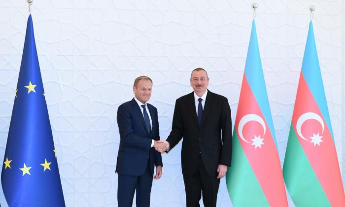 Declaraciones de Ilham Aliyev y Donald Tusk a la prensa