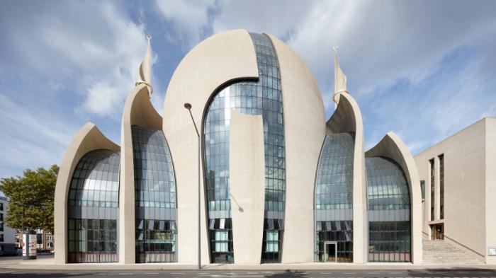 Kölner Zentral Moschee nach Bombendrohung geräumt