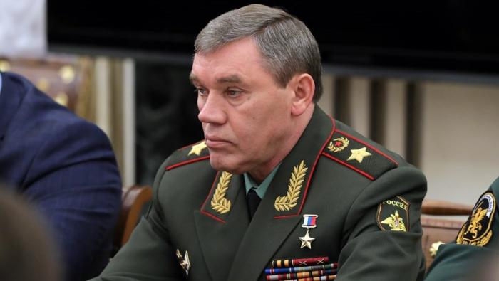 El jefe del Estado Mayor de las Fuerzas Armadas rusas llegó a Bakú