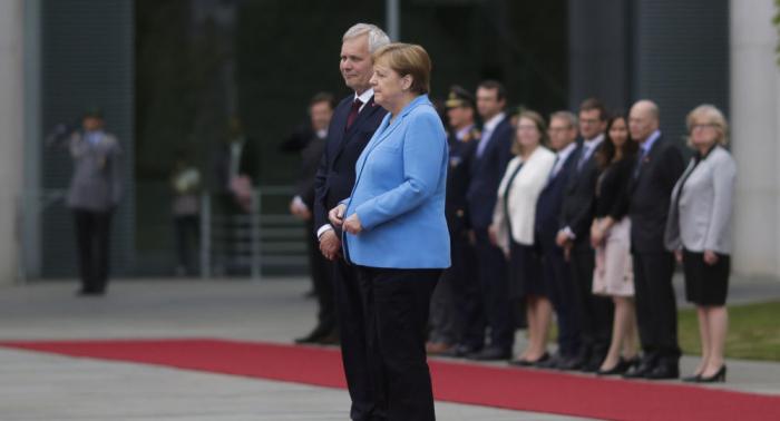 Sorgen um die Kanzlerin:   Merkel erleidet zum dritten Mal Zitteranfall –   Video