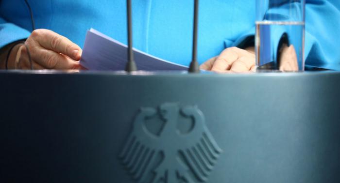 Merkel und Finnlands Premierminister geben gemeinsame Pressekonferenz