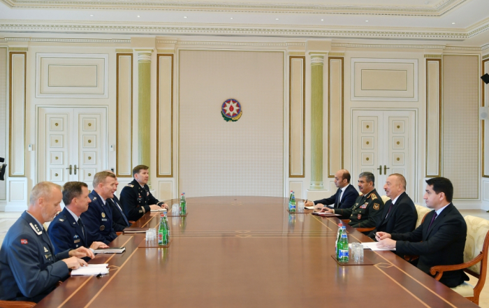 Ilham Aliyev recibe a Tod Wolters