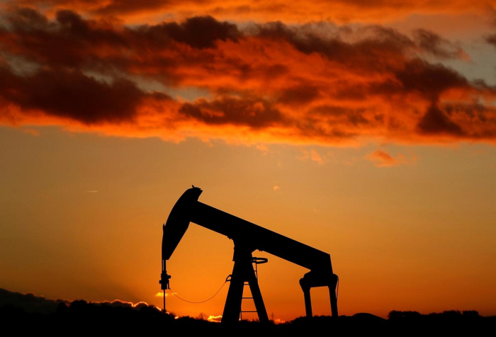Oil near six-week highs amid Gulf of Mexico storm, Middle East tensions