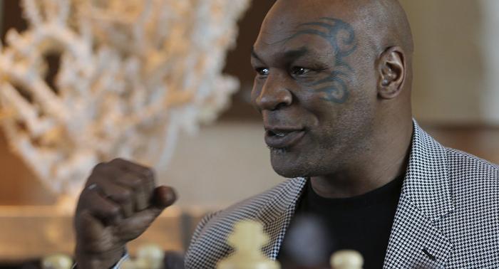 "Tyson: ""McGregor will never beat Khabib"""
