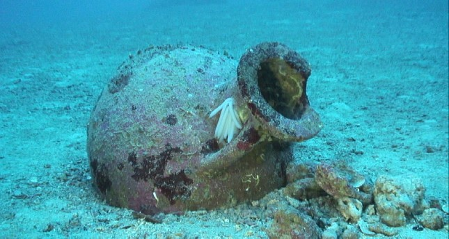 22 ancient amphoras found off Albanian coast