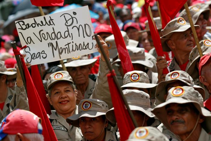 FOTOS:   Venezolanos salen a las calles en rechazo al informe de Bachelet sobre el país