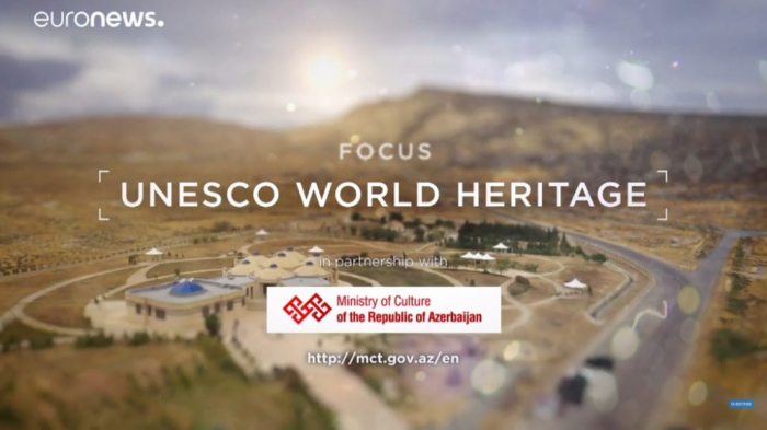La cadena de televisión Euronews filma un reportaje sobre la sesión de Bakú de la UNESCO