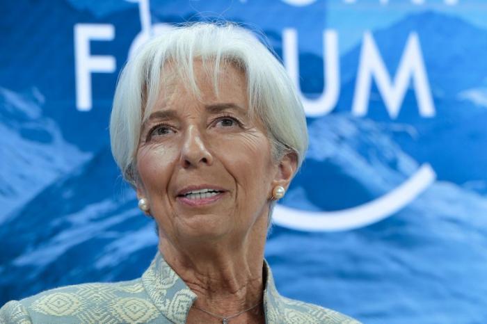 Lagarde renuncia a dirección del FMI al ser postulada al BCE
